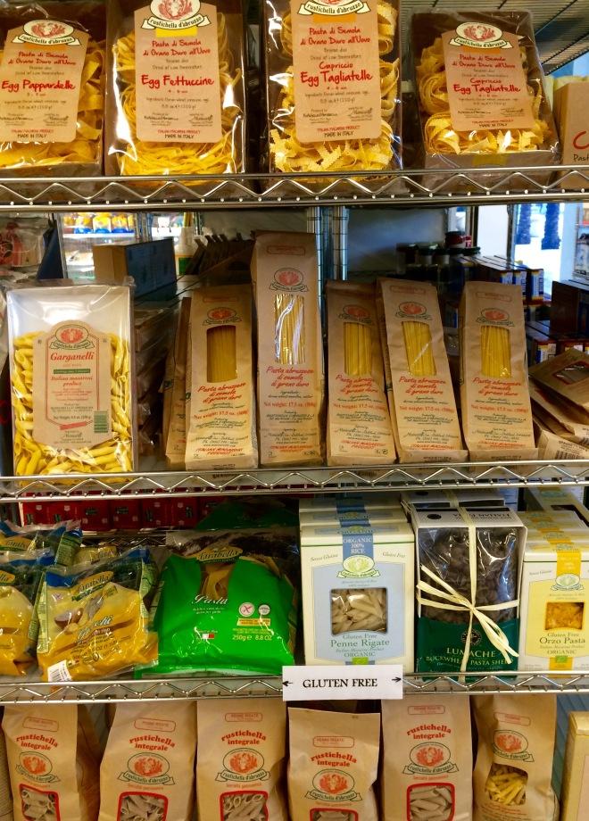 Epicure Gourmet Market and Cafe dettaglio pasta